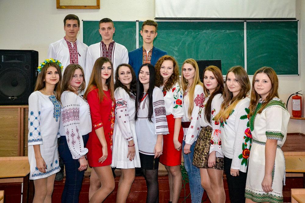 Ти переглядаєш зображення із статті: Коледж відзначив день  української писемності та мови